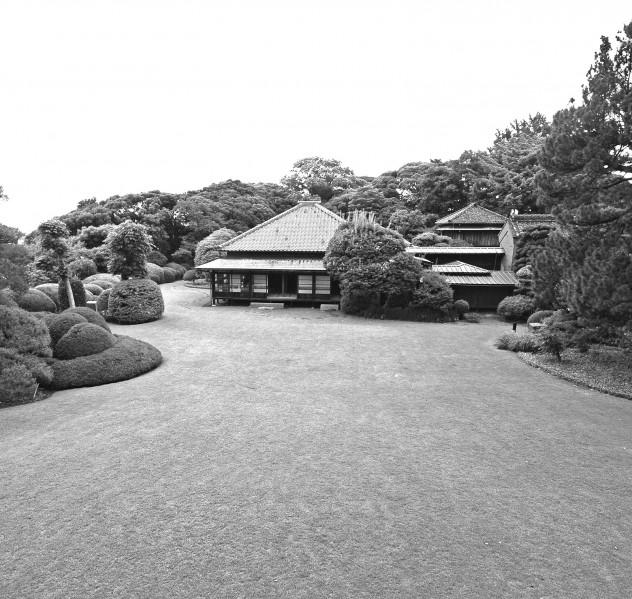 戸定邸モノクロ写真